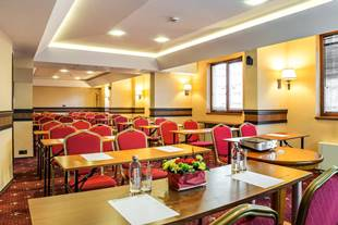Bristol conference hall with 50% discount on rent